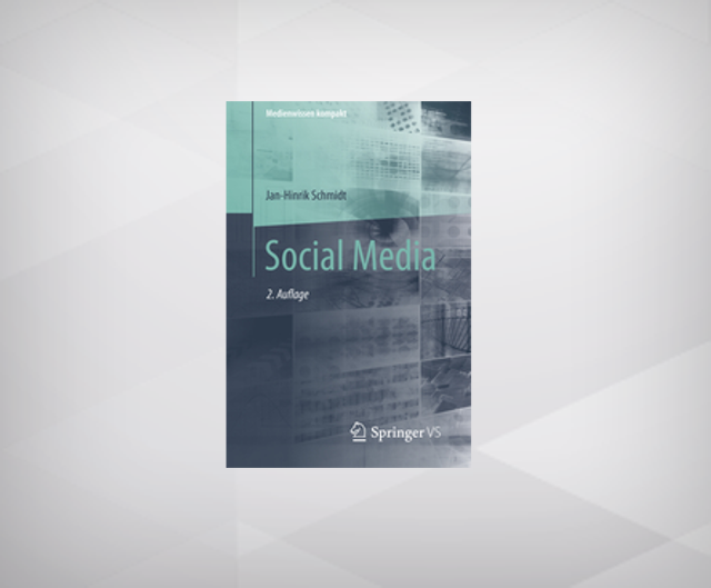 Social Media - 2nd, Updated and Expanded Edition